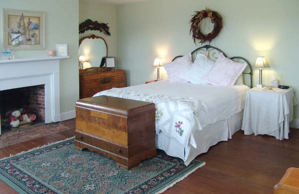 The Mistress Brent's Eventide Room at The Inn At Brome Howard